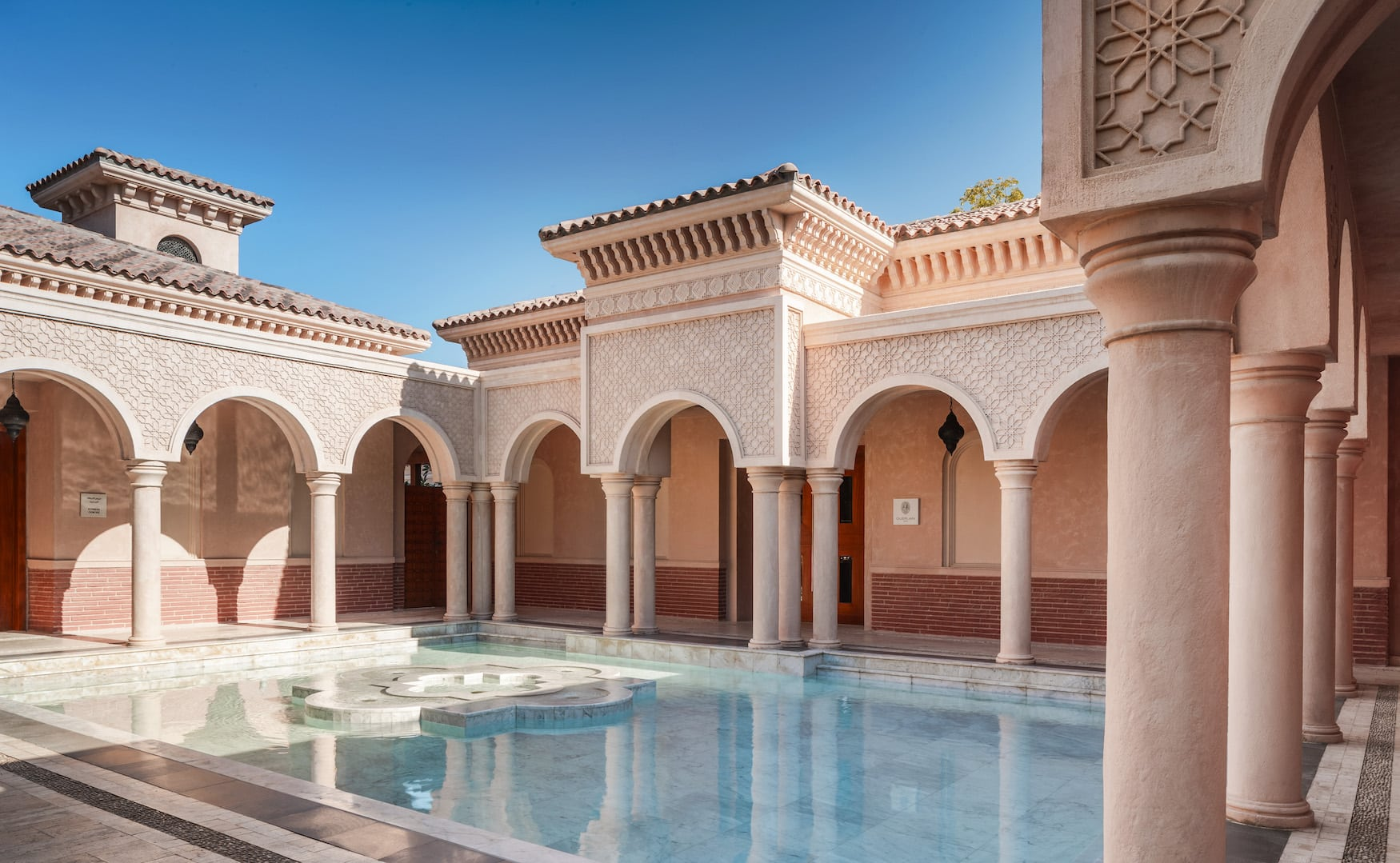 Guerlain Spa-Bereich mit Pool