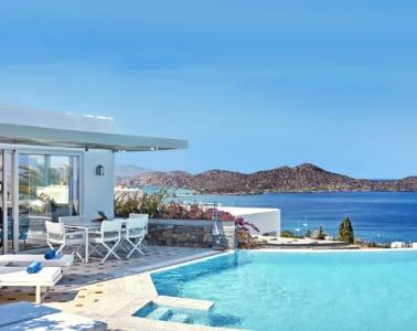 Pool-Villa mit Aussicht auf das Meer im Elounda Gulf Villas & Suites