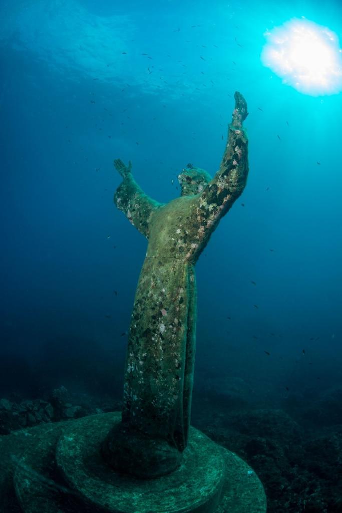 Christusfigur im Meer vor der Abtei San Fruttuoso