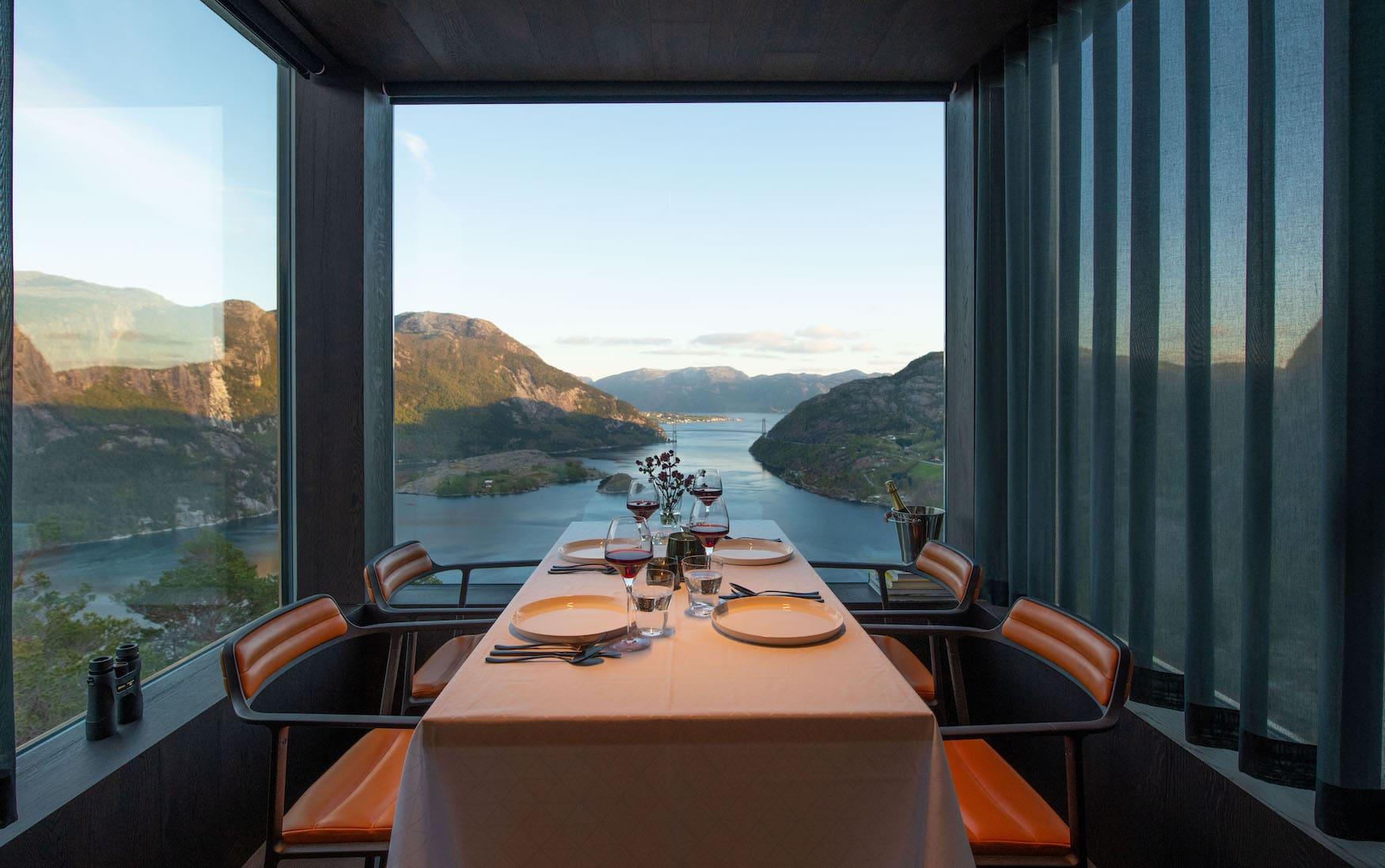 Spektakuläre Ferienhäuser in Norwegen mit Ausblick auf die umliegenden Fjorde