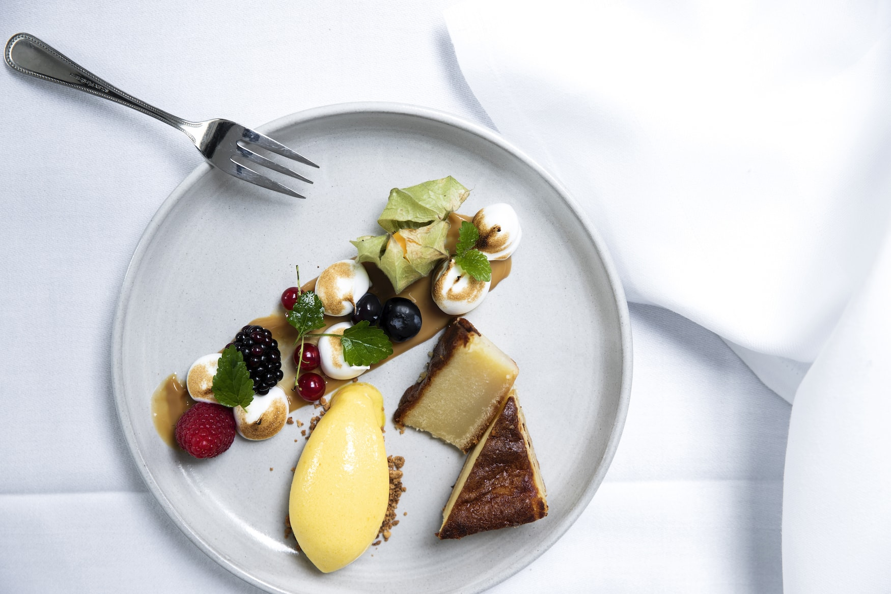 Dessert im Skjalm Hvide Hotelim Fjorlandet Dänemark
