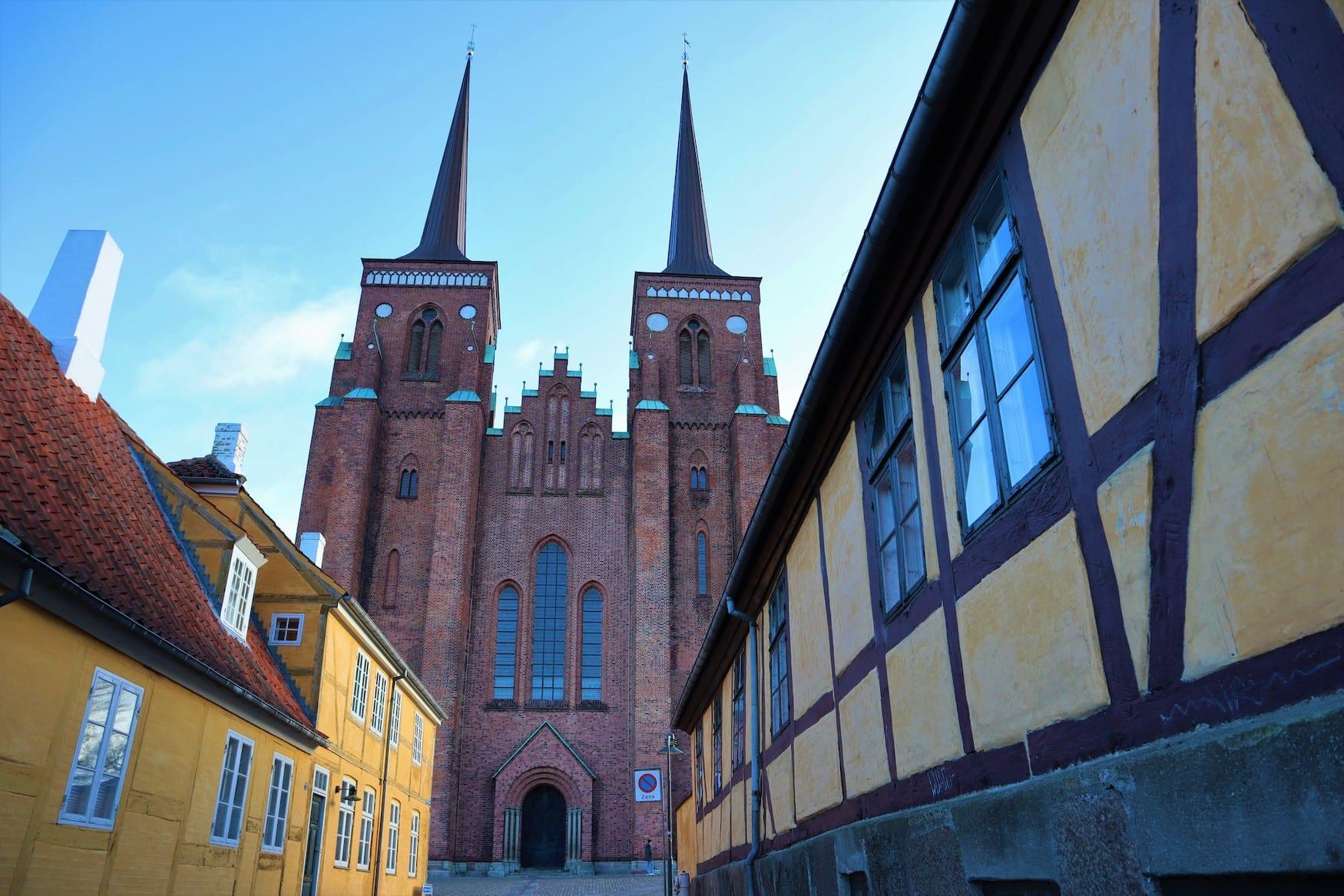 Dom zu Roskilde bei Sonnenschein