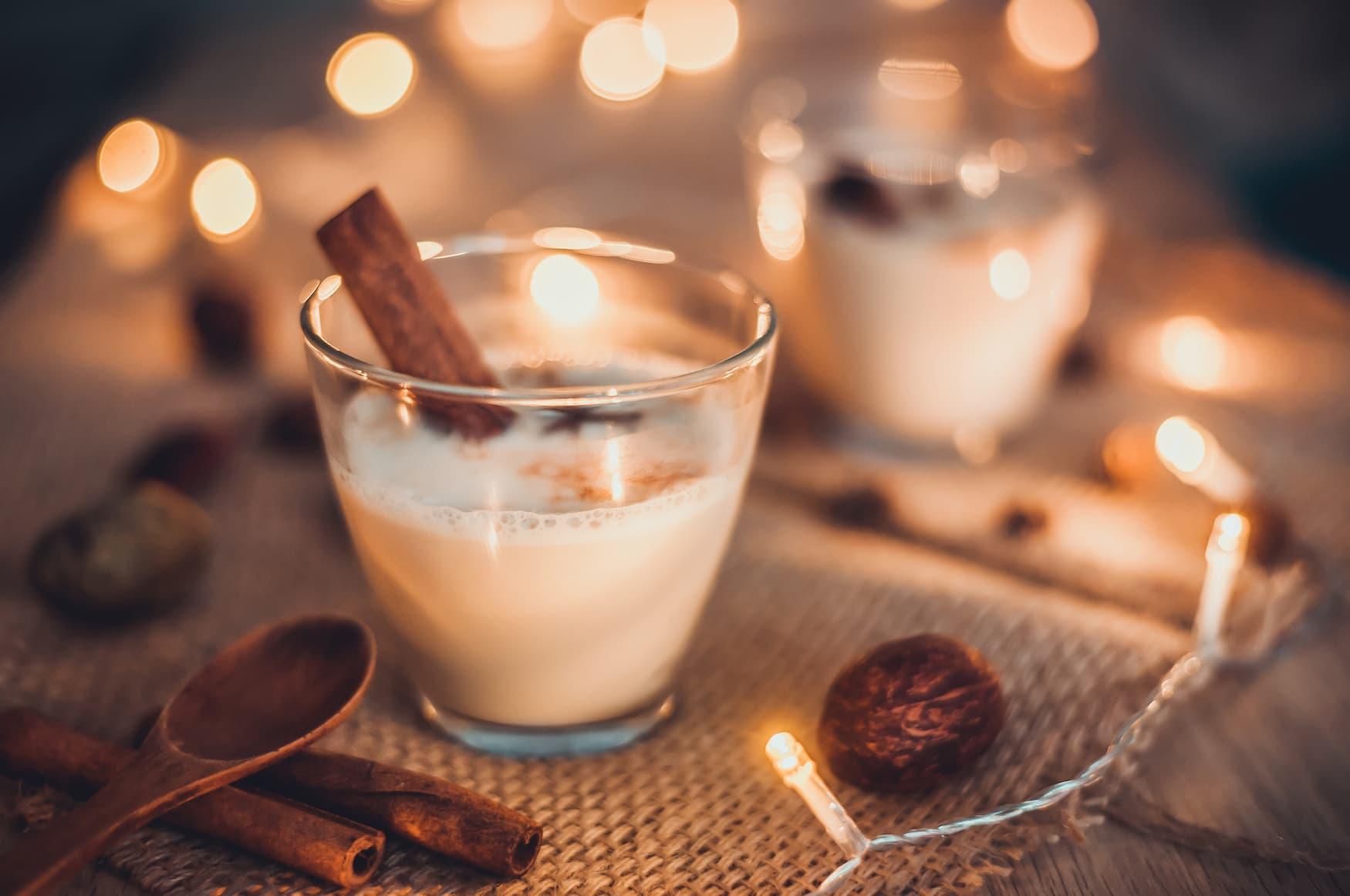 In den USA ist der Drink schlechthin an Weihnachten Eggnog.
