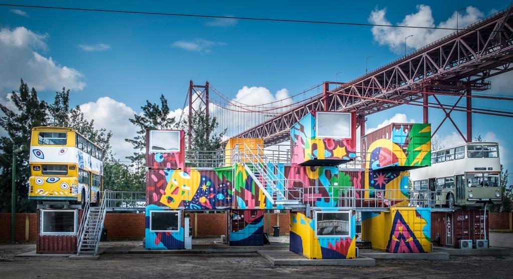 Bunte FX Factory in Lissabon