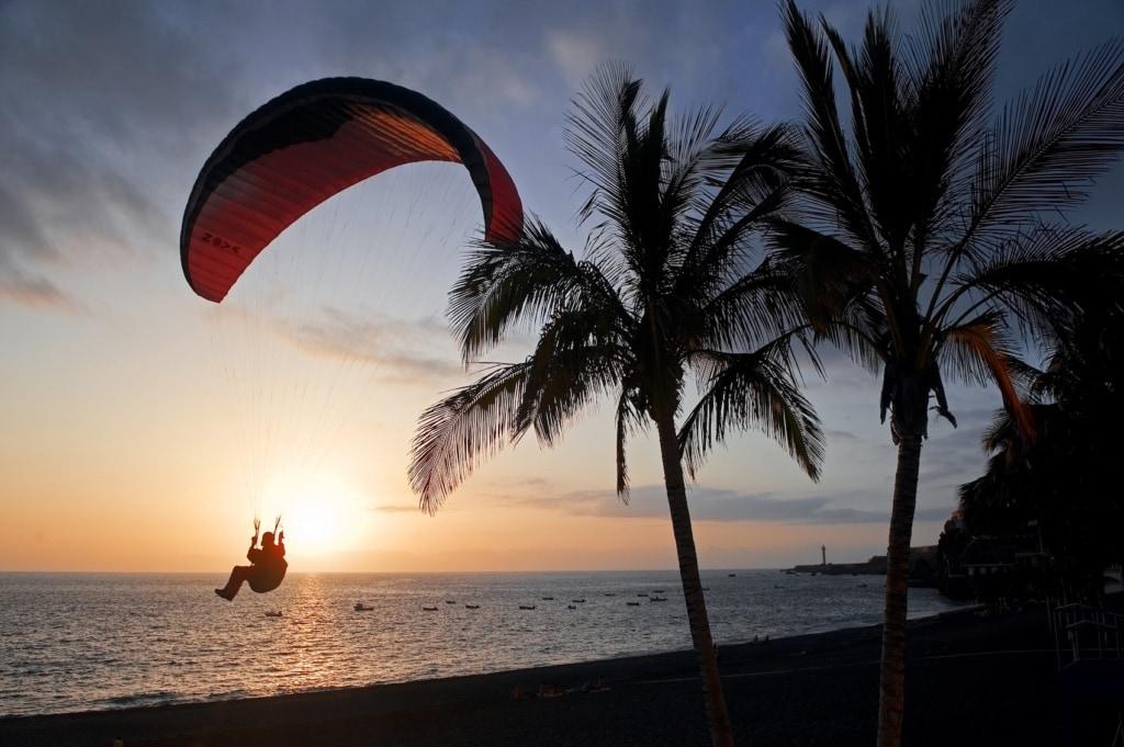 Paraglider oder solche, die es werden wollen, finden auf den Kanaren perfekte Bedingungen.
