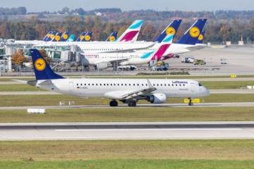 Lufthansa- und Eurowings-Flugzeuge am Münchner Flughafen
