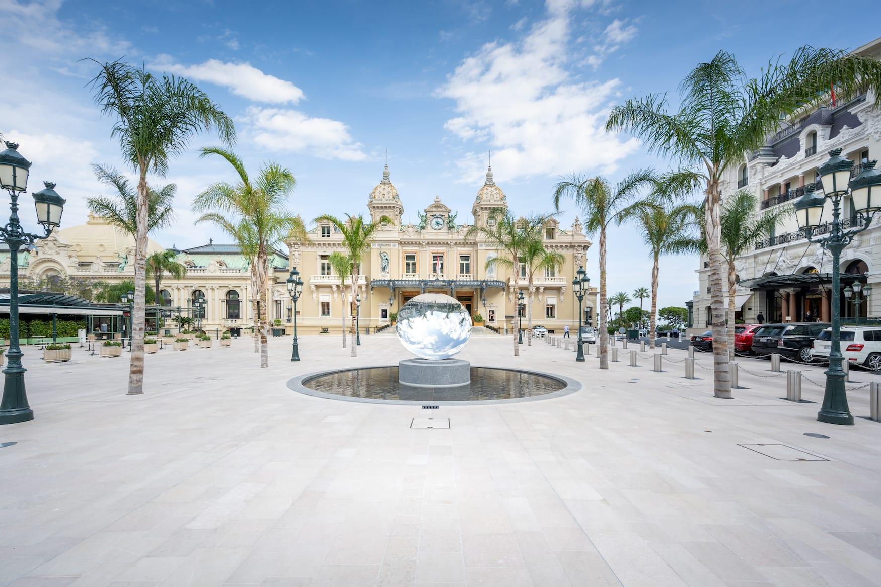 Platz vor dem Casino in Montecarlo