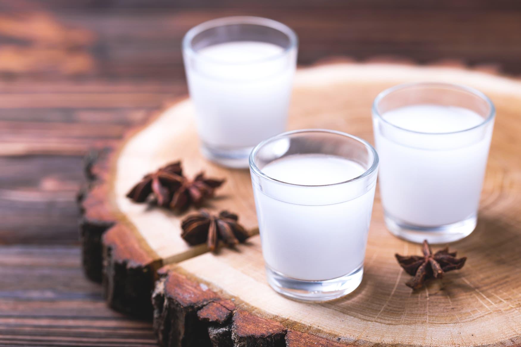 Raki - Drink an Weihnachten in Griechenland