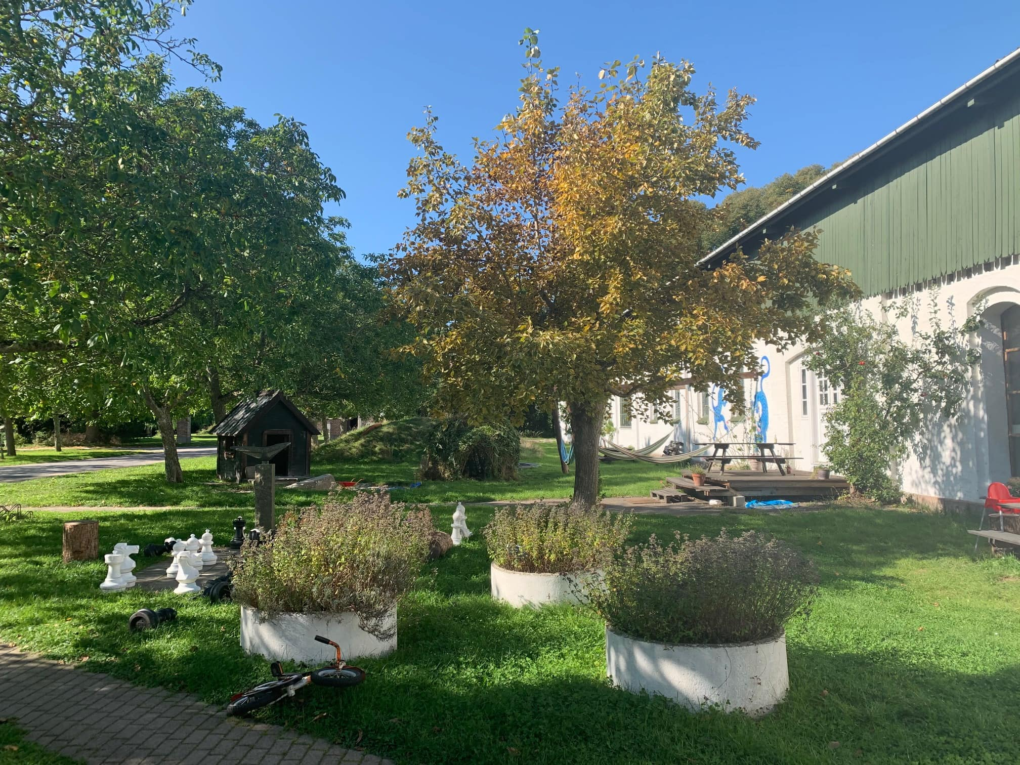 Garten im Svanholm Kollektiv