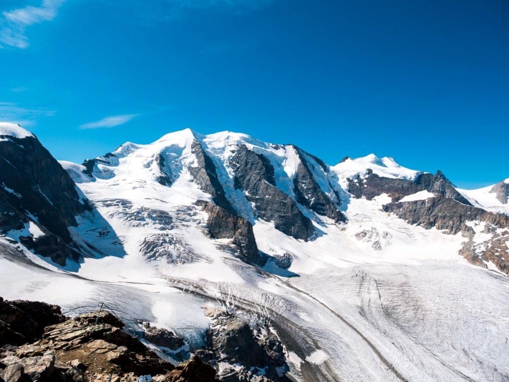 Berge im Oberengadin im Winter