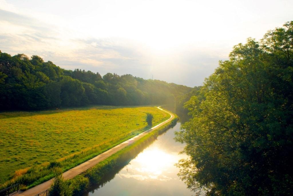Fluss Sambre bei Thuin in der Wallonie