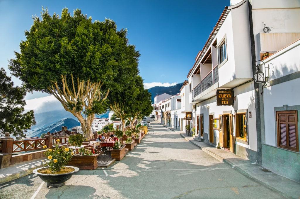 In den Cafés von Gran Canaria mag man gleich verweilen.