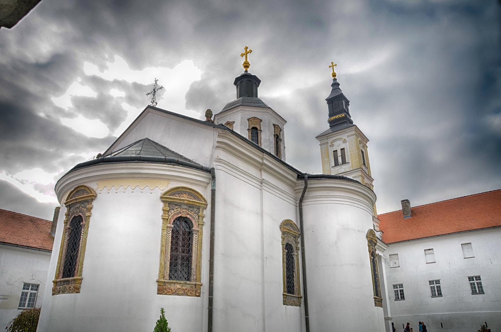 Klosteranlage Krusedol in Serbien