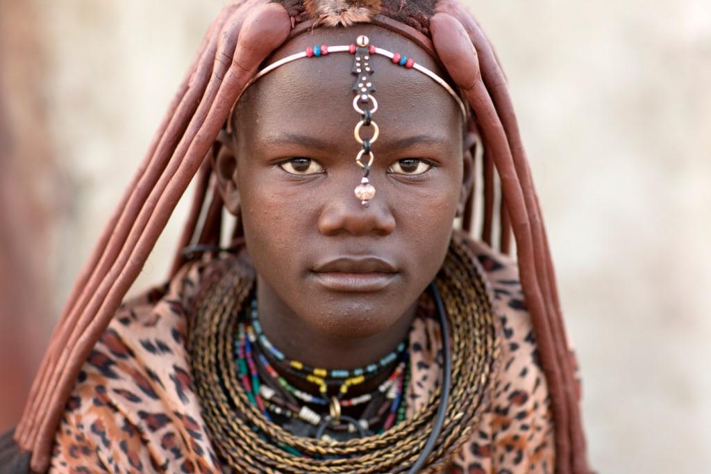 Die Himbas leben noch heute sehr traditionell im Norden Namibias.