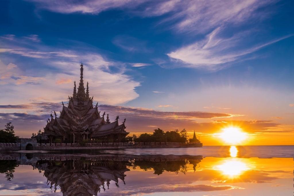 Haus-des-Geldes-Drehorte: Heiligtum der Wahrheit-Tempel in Pattaya
