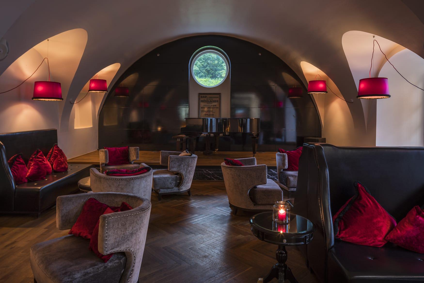 Bar im Schlosshotel Velden