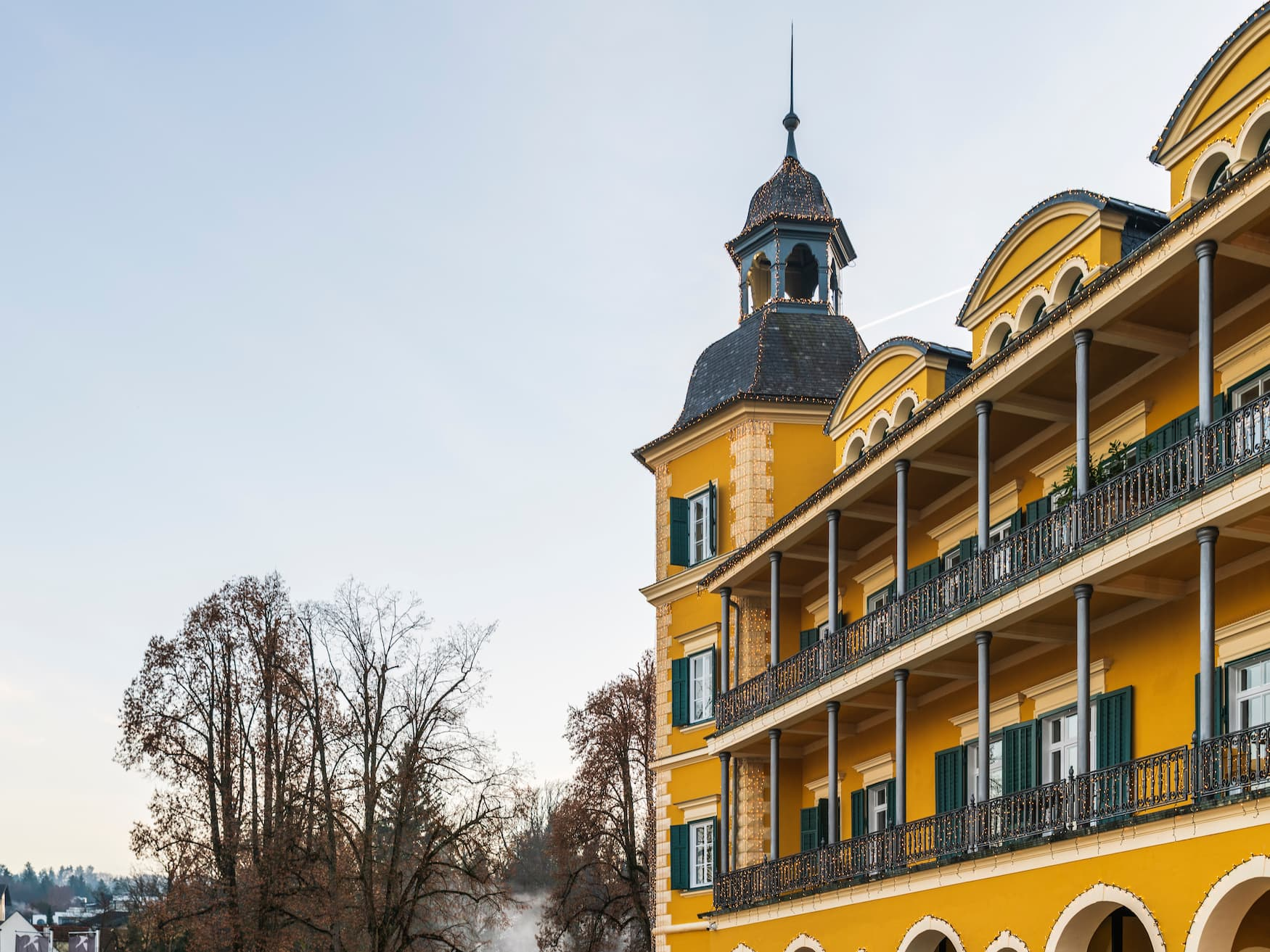 Außenfassade de Falkensteiner Schlosshotel Velden