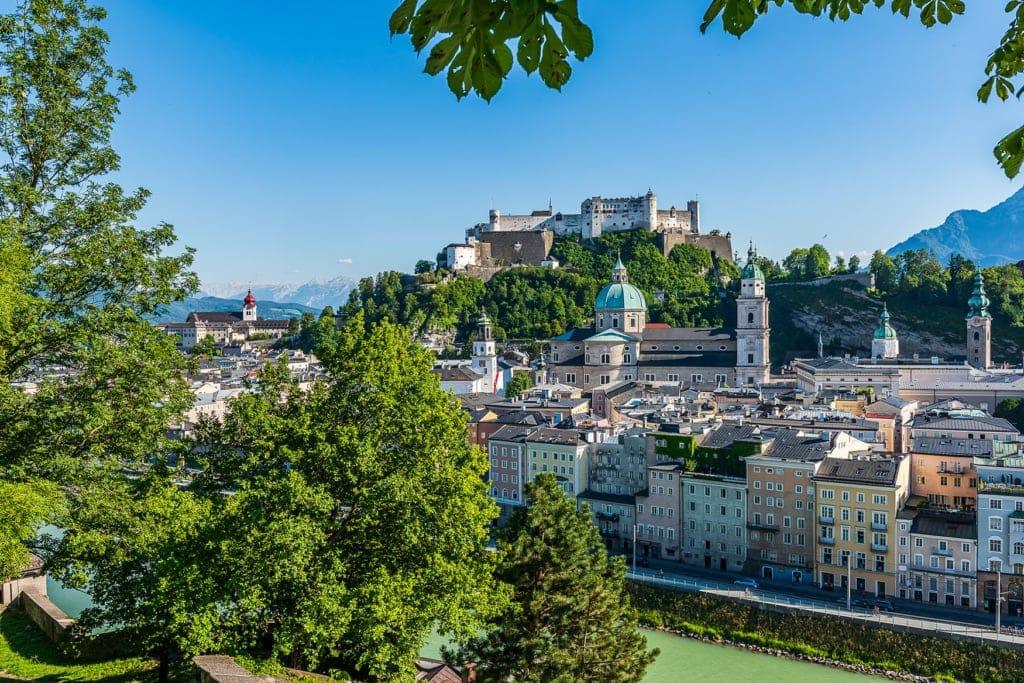Aussicht vom Kapuzinerberg auf die Altstadt Salzburgs