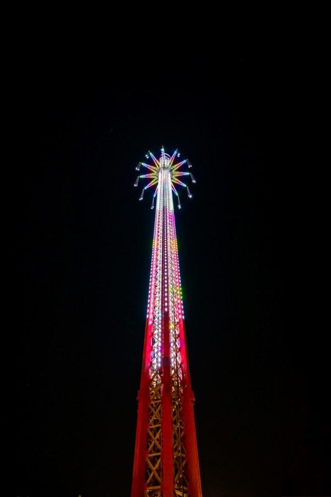 Bollywood Skyflyer in Dubai im Dunkeln