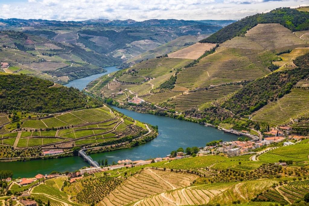 Blick auf das Douro-Tal in Vila Real, Portugal