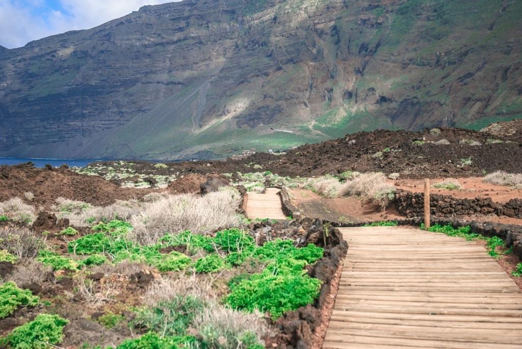 Wanderweg entlang der Küste auf El Hierro