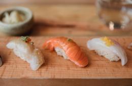 Kulinarik aus Japan: Nigiri nennt sich diese Form des Sushis.
