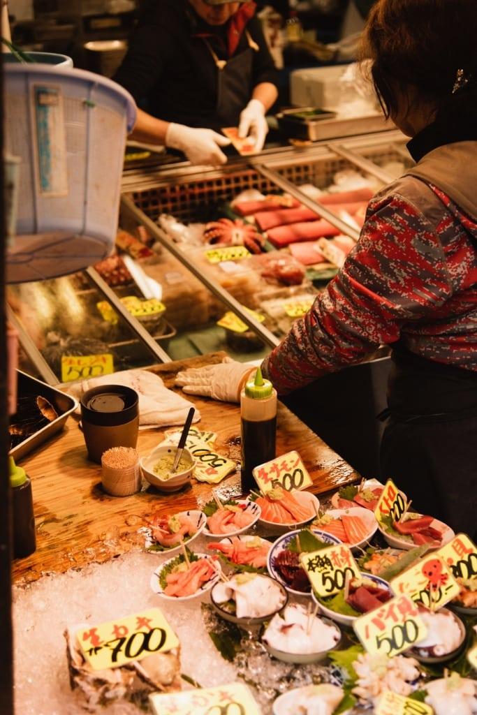 Fisch gehört zur japanischen Küche einfach dazu - am besten frisch vom Fischmarkt.