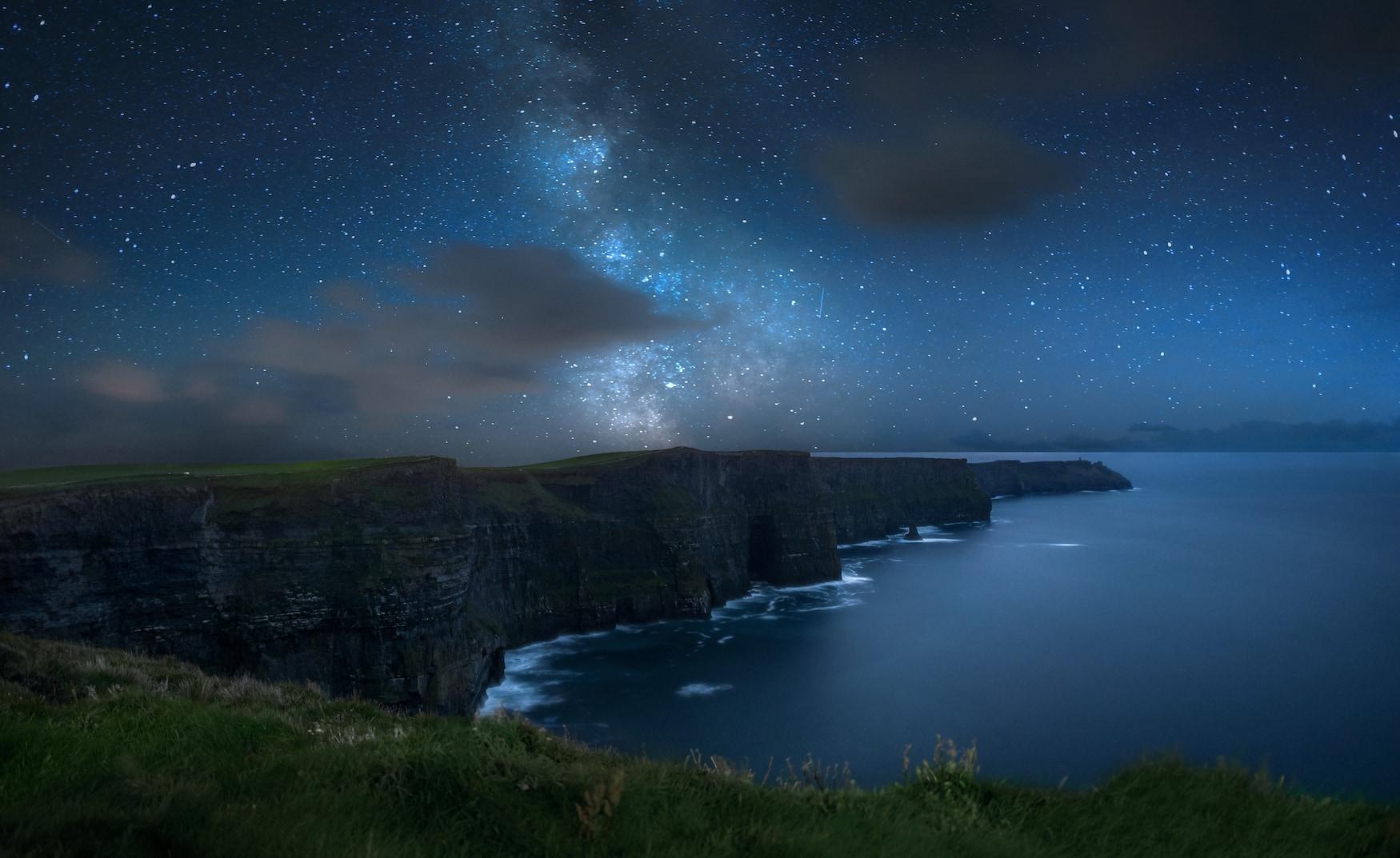 Milchstraße und Sternenhimmel in Irland