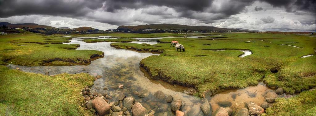 einsame Urlaubsorte in Europa: Landschaft bei Mulranny in Irland