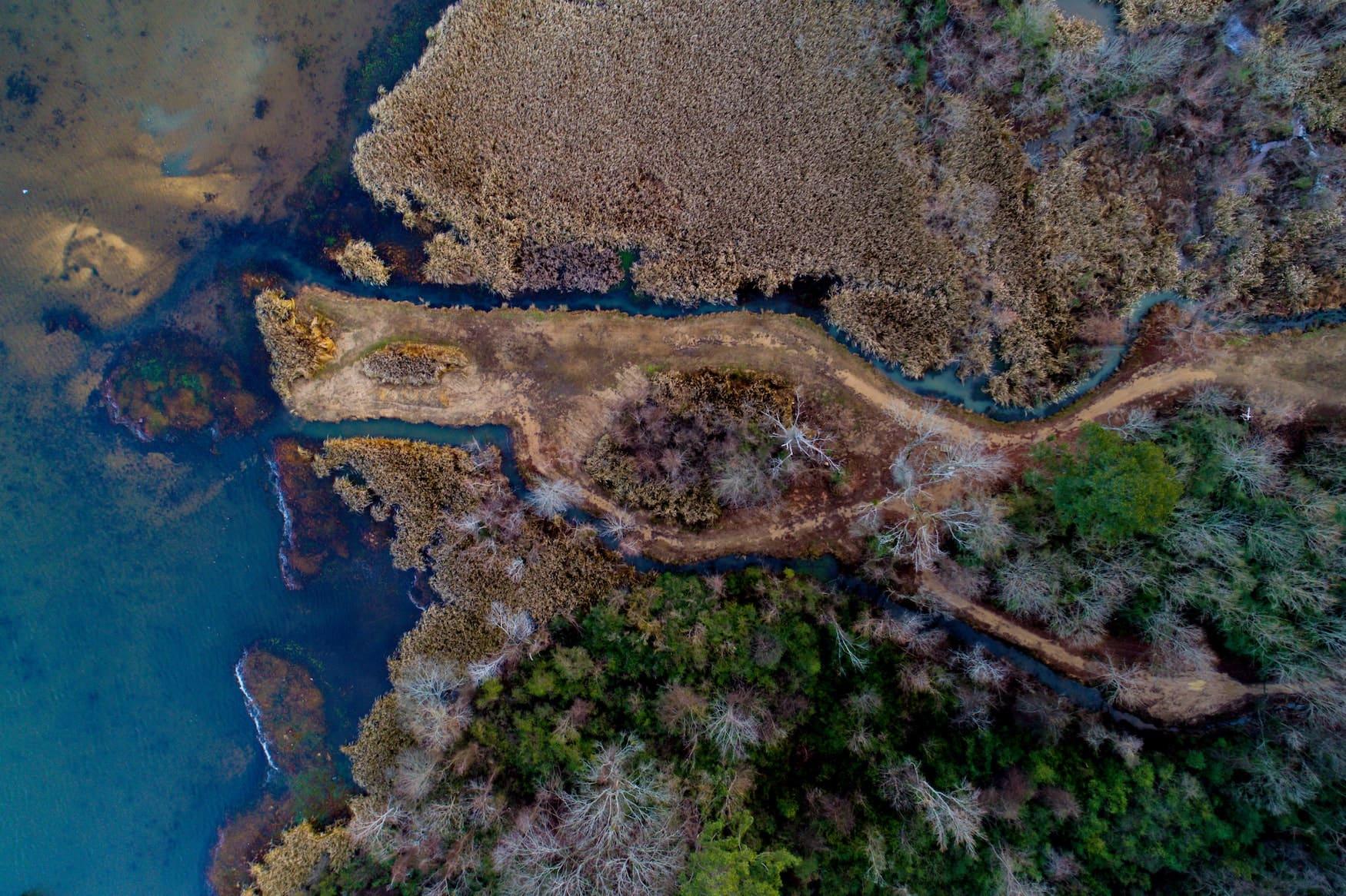 Drohnenaufnahme von der Küste im US-Bundesstaat Alabama