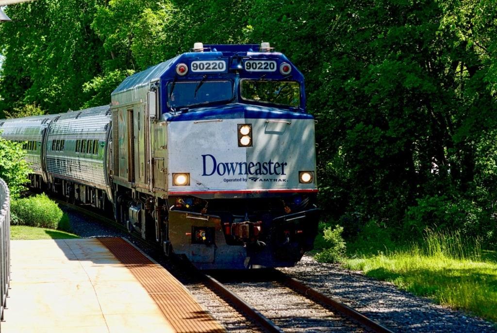 Downeaster-Zug unterwegs in Neuengland