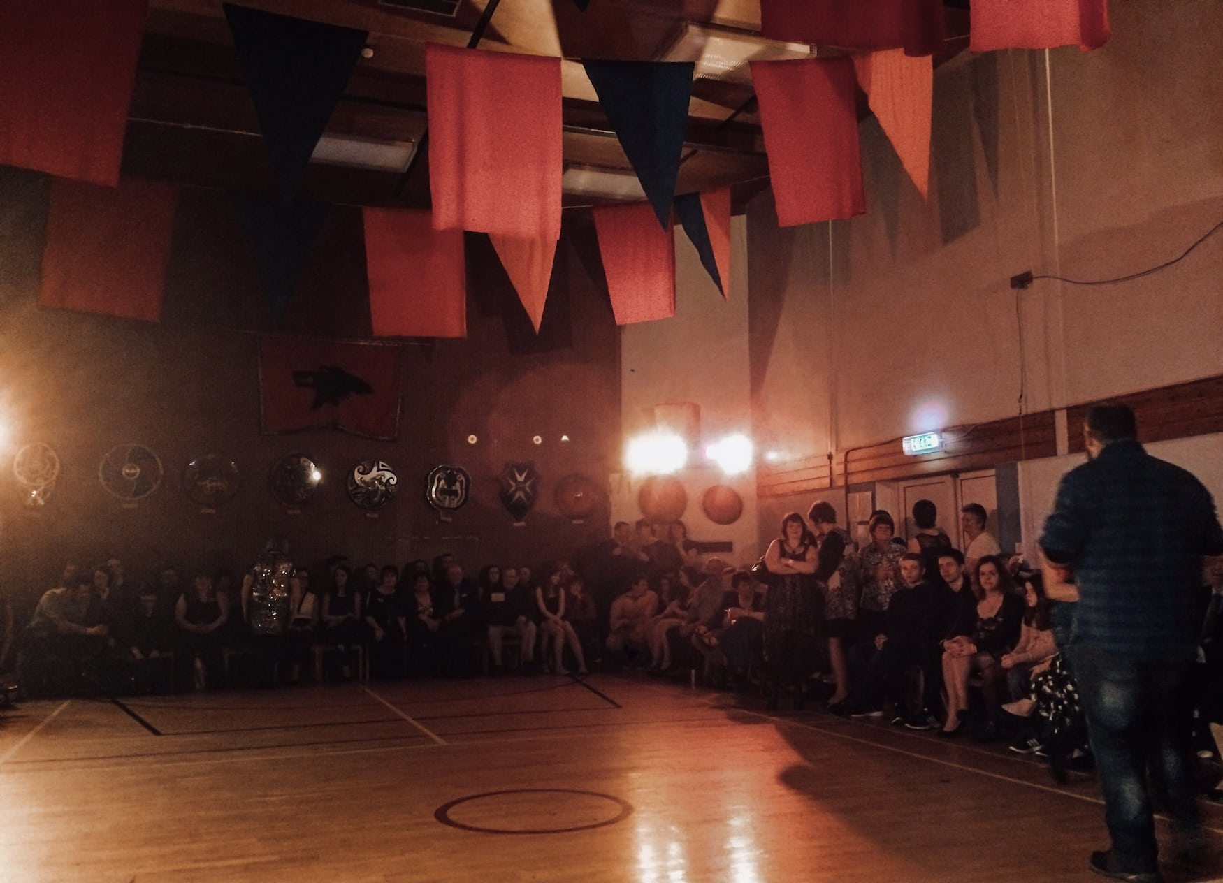 Turnhalle in Lerwick beim Up-Helly-Aa