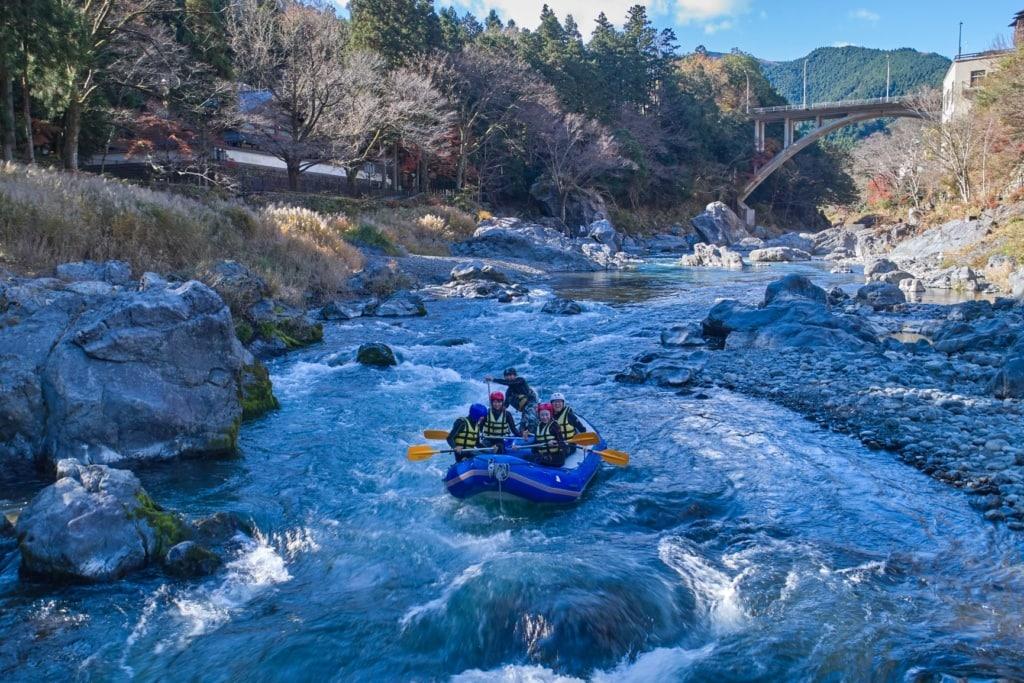 Rafting in der Tama-Region in Japan