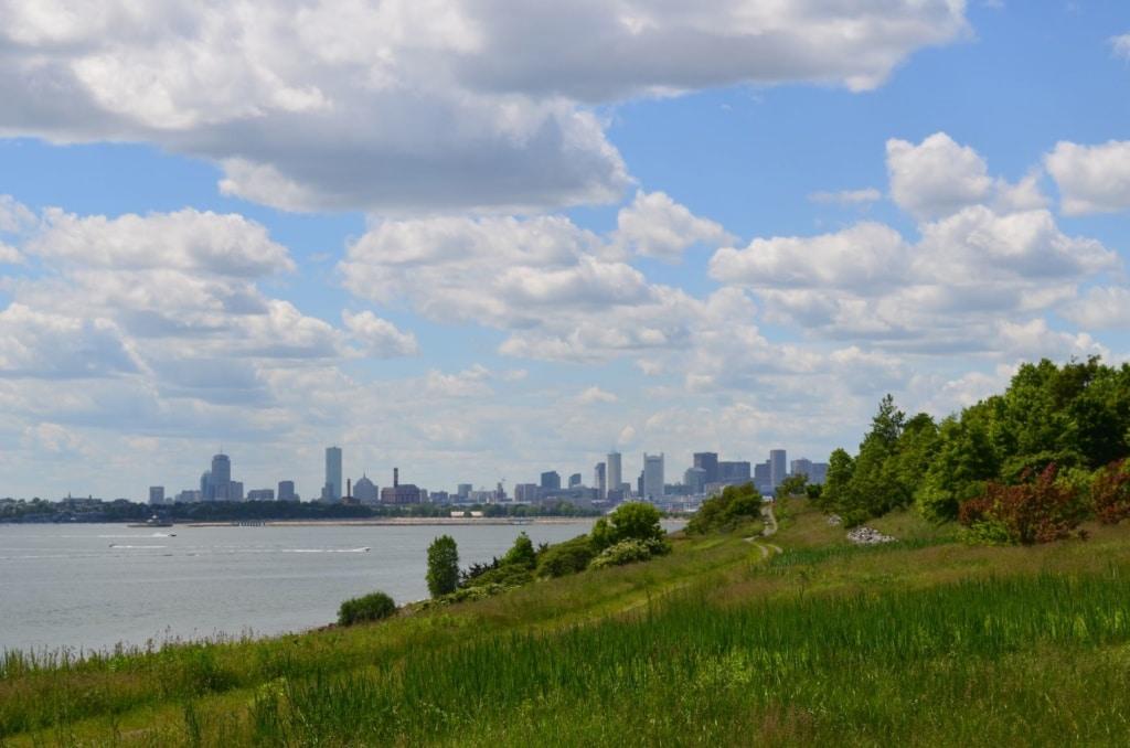 Blick von Spectacle Island auf Boston