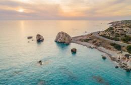 Aphrodite-Felsen auf Zypern, einer unserer Reisetipps für einen Zypern Urlaub