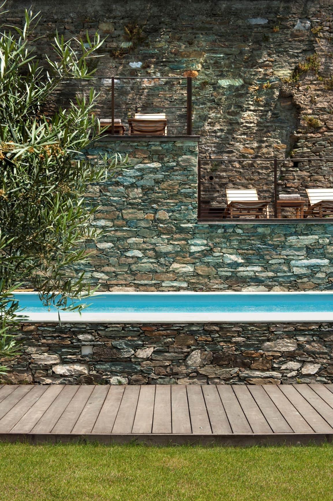 Poolbereich im Aethos Corsica