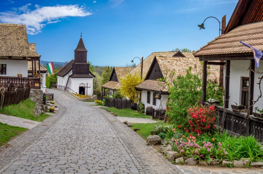 Häuser in Holloko, Ungarn