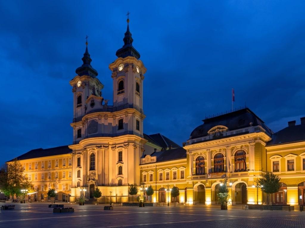 Basilika in Eger im Morgengrauen