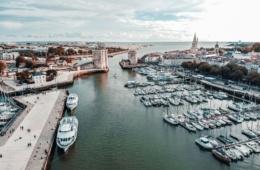 Panoramablick auf den Hafen von La Rochelle
