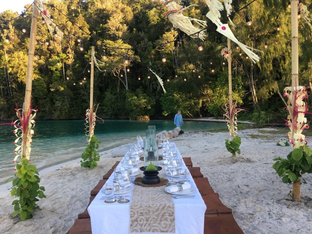 Überraschungen wie ein Beach Barbecue sind auf der Prana by Atzaro teil der Erfahrung.