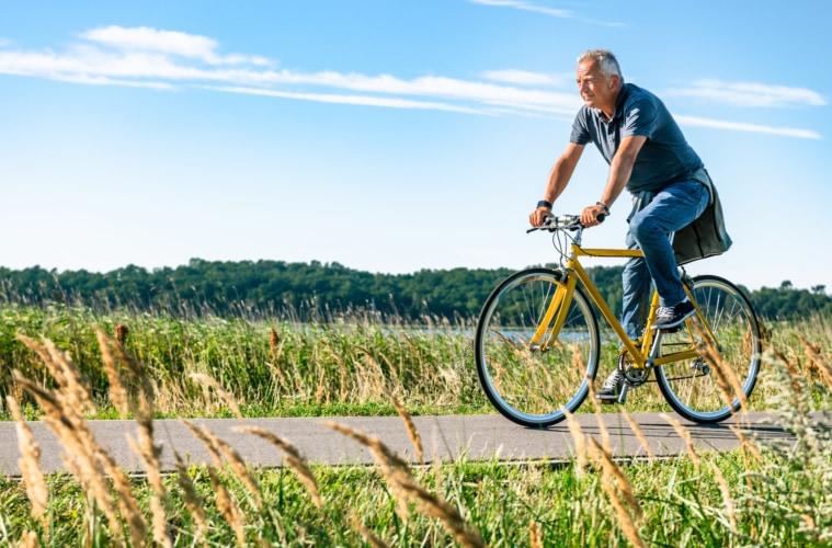 Auch Bewegung ist ganz im Kneippschen Sinne. Zum Beispiel auf Rügens unzähligen Fahrradstrecken. | TMV/Tiemann