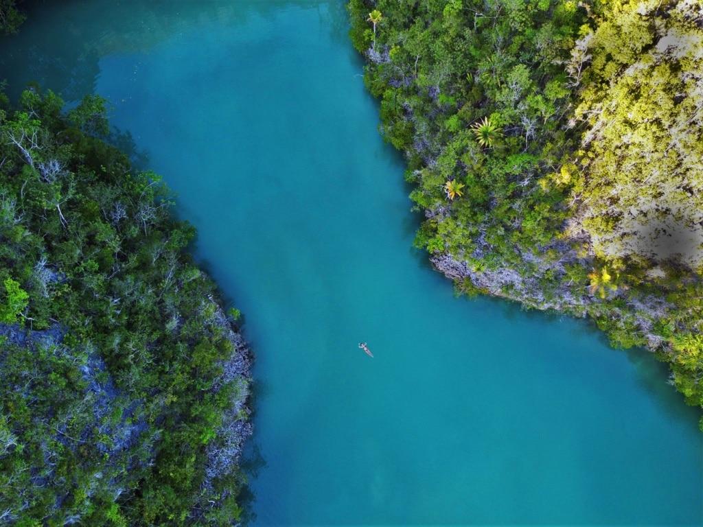 Eine Runde schwimmen in den Lagunen von Raja Ampat gefällig?