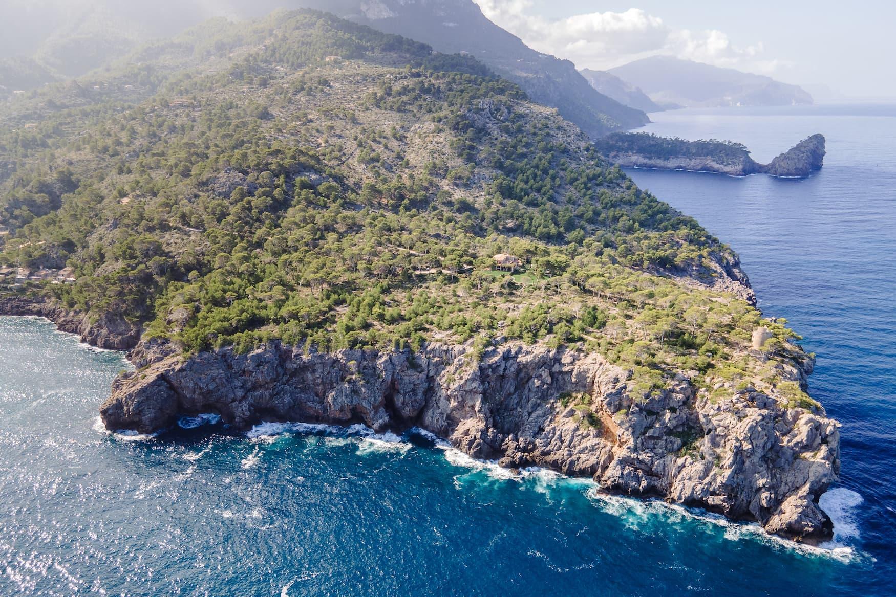 Bucht an der Küste von Mallorca
