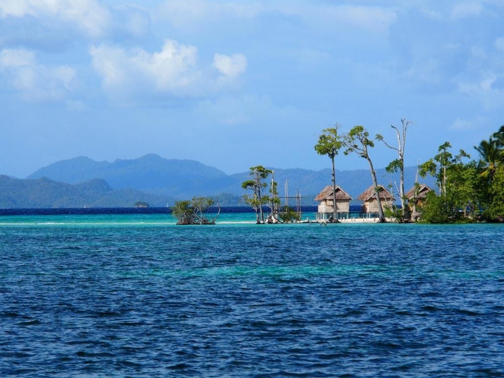 Raja Ampat ist Heimat der Papuas, die hier seit Jahrhunderten als Fischer leben.