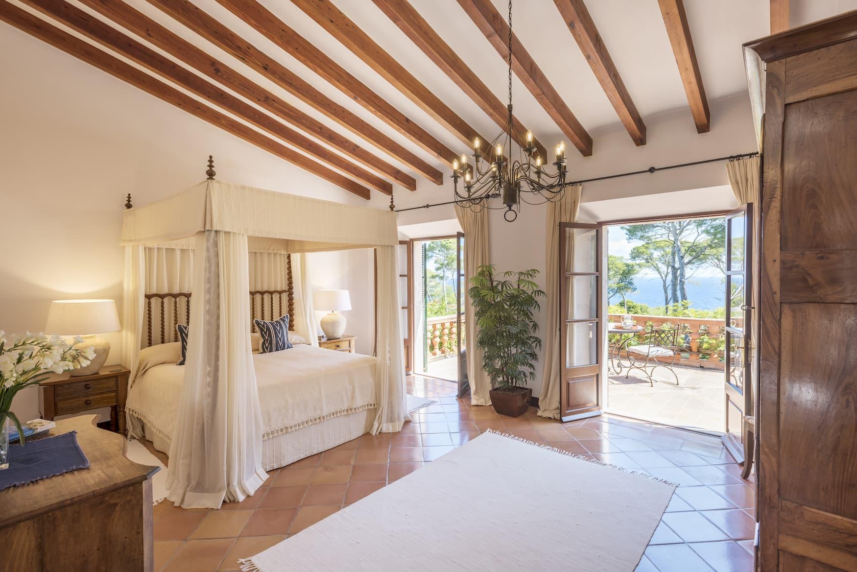 Schlafzimmer in einer Finca auf Mallorca