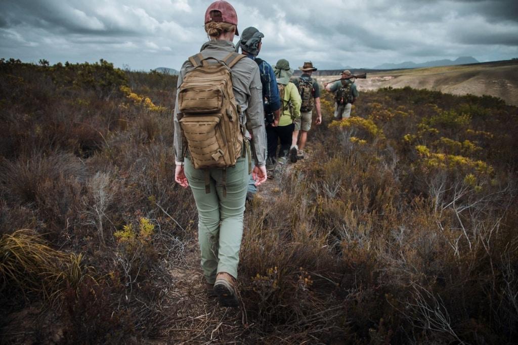 Touristen beim Wandern in Südafrika