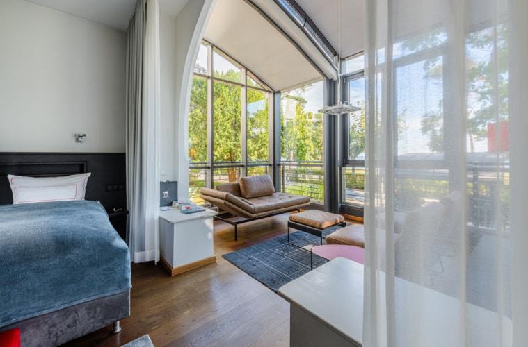 Wolfgang Schewe hatte schon immer Sinn für schöne Materialien und Räume: Zimmer im Hotel am Meer in Binz. | TMV/Tiemann