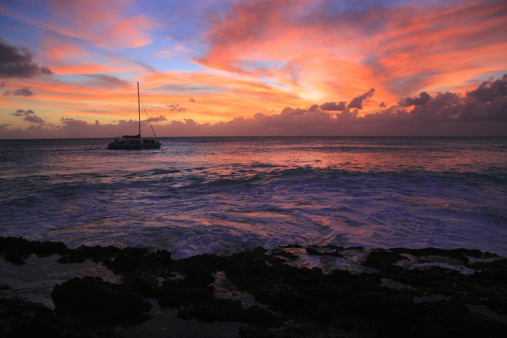 Sonnenuntergang am Cupecoy Beach auf St. Marteen