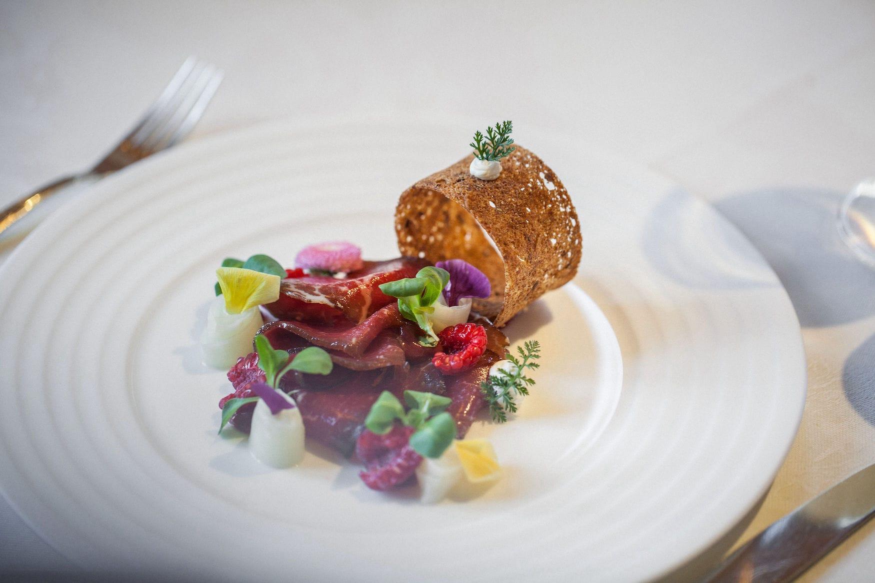 Feine Küche gibt es im Restaurants des Hotels Arlberg