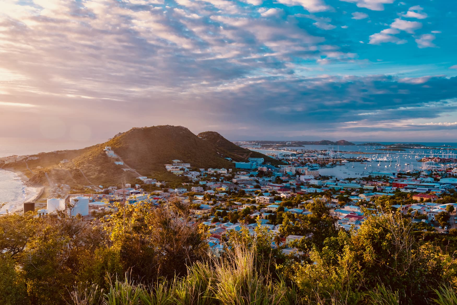 Sonnenuntergang über der Karibikinsel St. Maarten